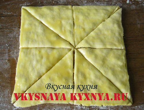 Тесто разрезанное на треугольники
