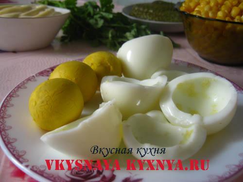 Белки и желтки яиц