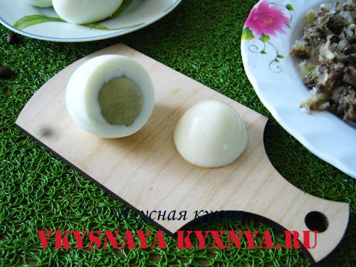 Разрезанное яйцо