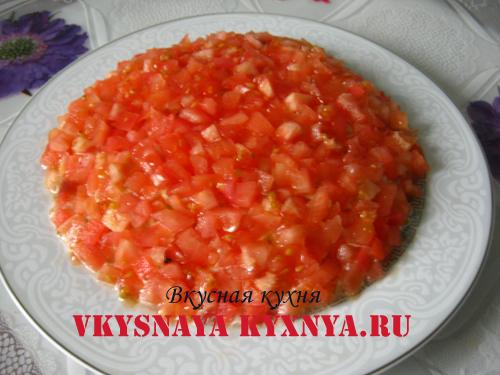 """Салат с курицей и помидорами """"Клубничка"""""""