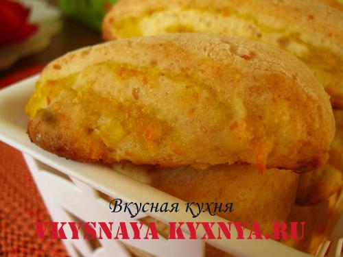 Печенье с апельсиновой начинкой в корзине