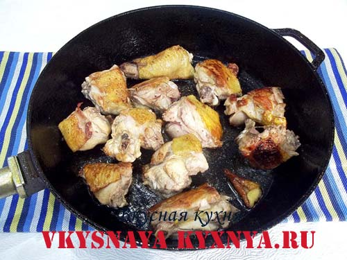 Обжаривание курицы на сковороде