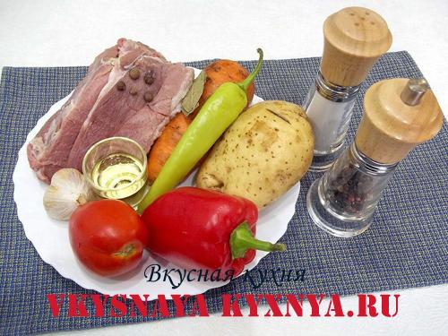 Гуляш по-венгерски из свинины, ингредиенты
