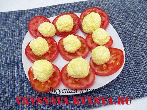 Начинка на кусочках помидор
