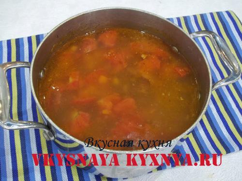 Добавление в суп специй