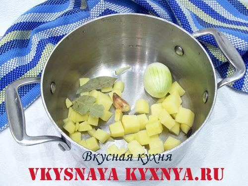Картофель, лук и специи