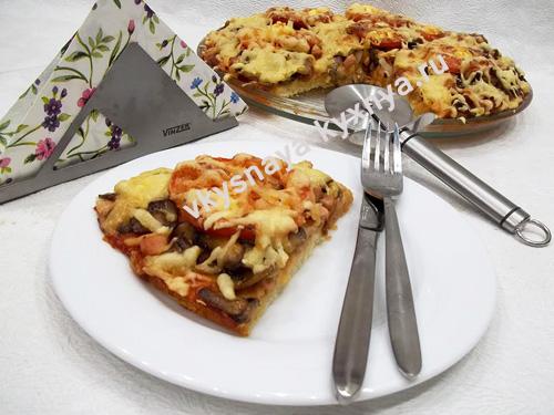 Домашняя, тонкая пицца на дрожжевом тесте