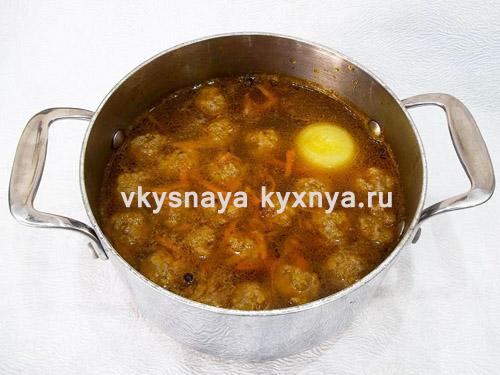 Добавление в суп фрикаделек