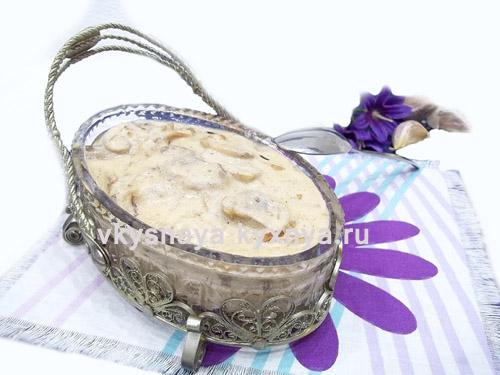 Как приготовить ароматный грибной соус из шампиньонов со сметаной