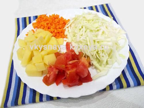 Нарезанные овощи для супа
