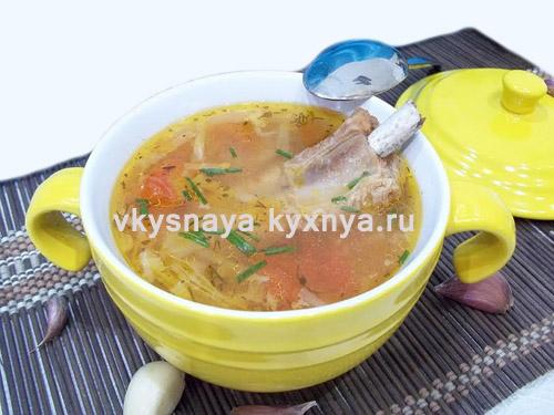 Рецепт наваристых щей со свиными ребрышками из свежей капусты