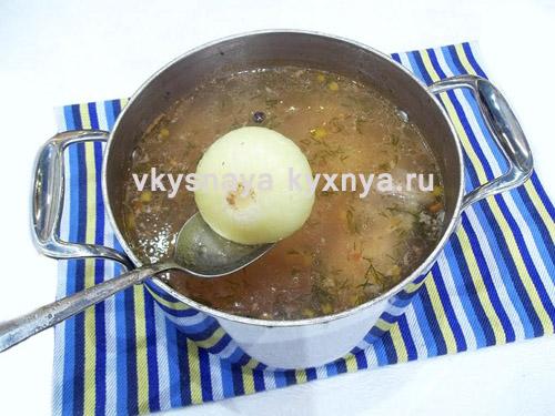 Уберем луковицу с бульона