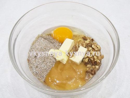 dobavlenie-masla-meda-soli-yaic