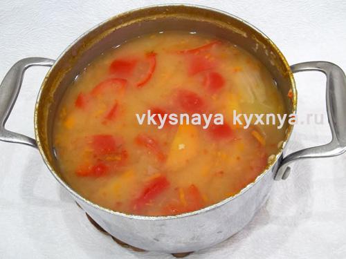 Готовый суп из красной чечевицы