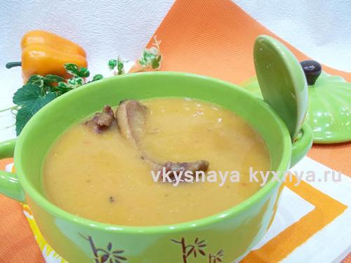 Суп-пюре из красной чечевицы с копчеными ребрышками