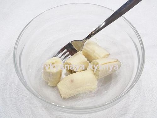 Очищенные кусочки банана