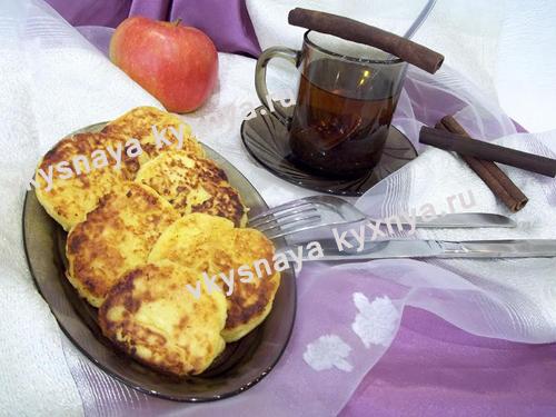 Творожные сырники с яблоками без муки, рецепт с пошаговым фото