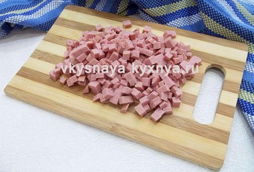 Нарезанная колбаса