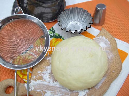 Как приготовить пышное дрожжевое тесто, рецепт с пошаговым фото