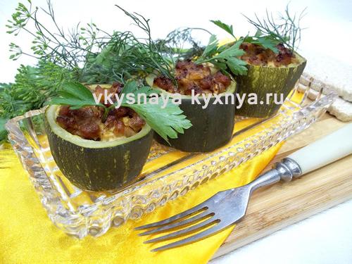 Кабачки кольцами фаршированные мясом запеченные в духовке