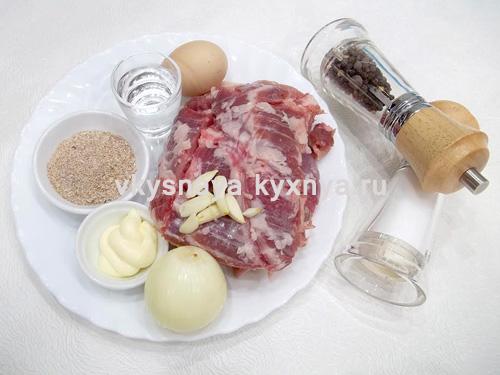 Мясные биточки из фарша , ингредиенты