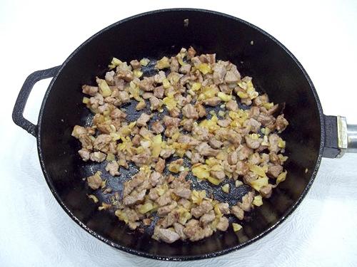 Обжаренные мясо и овощи