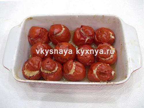 Готовые запеченные помидоры