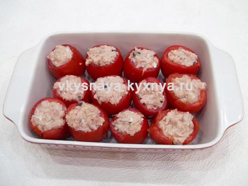 Начиненные фаршем помидоры