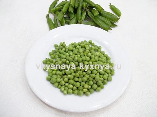 Зеленый горошек извлеченный из стручков