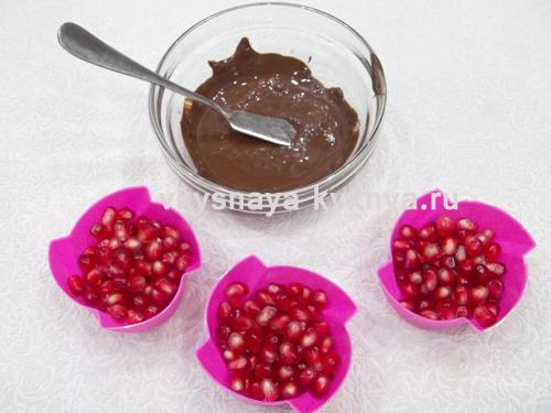 Как приготовить гранат в шоколаде