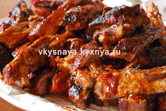 Как приготовить свиные ребрышки с медом и соевым соусом