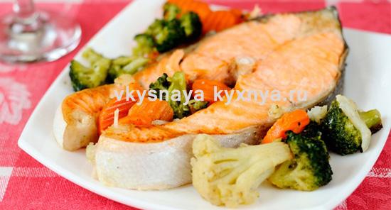 Как приготовить потрясающую красную рыбу с овощами в духовке