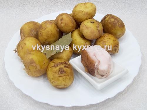 Картошка, печёная в сковороде, целая, в мундире - рецепт с фото на Хлебопечка.ру