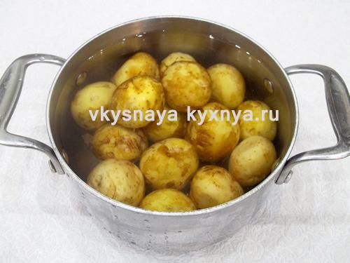 Отварной картофель жареный на сковороде