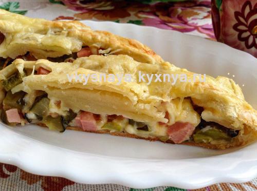 слоеное тесто с колбасой и сыром рецепт с фото