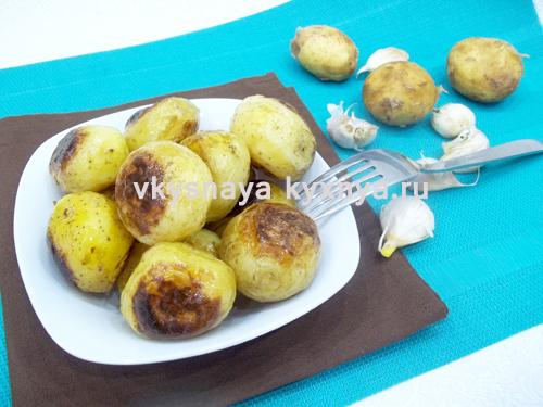 Варено-жареный молодой картофель