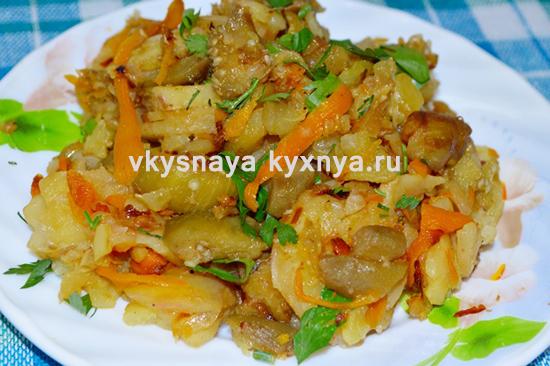 Овощное рагу в мультиварке с кабачками и картошкой