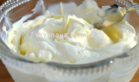 Правильный сметанный крем: пять правил приготовления