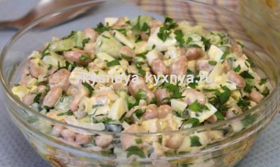 Салат из пекинской капусты с белой фасолью