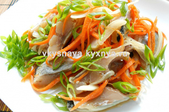 Морковь по-корейски с селедкой