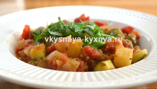 Овощное рагу с кабачками и капустой в мультиварке
