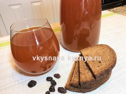 Домашний квас из ржаного хлеба с дрожжами