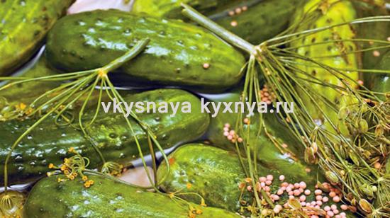 Маринованные огурцы с семенами горчицы в банках. Рецепт на зиму