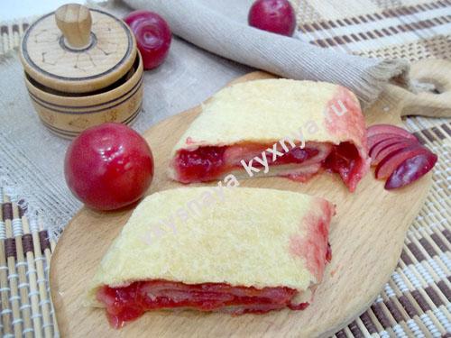 Пирог со сливами: быстрый рецепт из готового теста