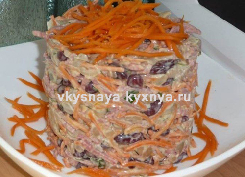 Салат с корейской морковью сухариками и фасолью
