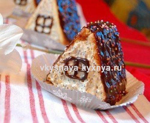 Домик из печенья с творожно-маковой начинкой.