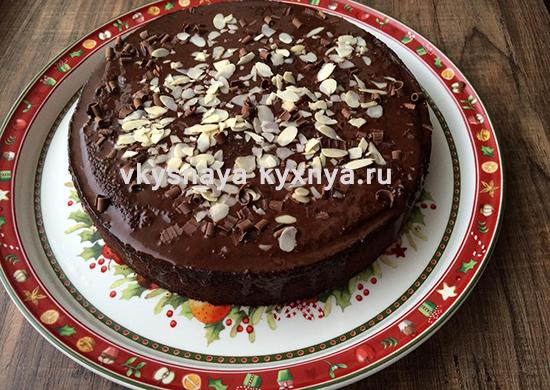 Шоколадный торт из натурального черного шоколада