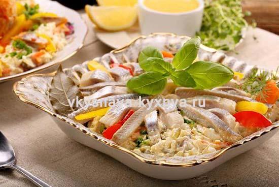 Салаты с селедкой: рецепты с фото